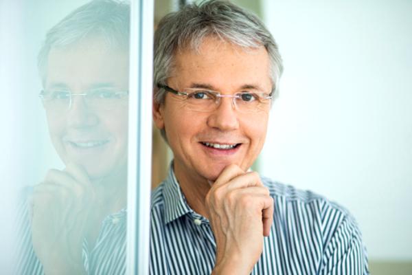 Dr. Senger profil